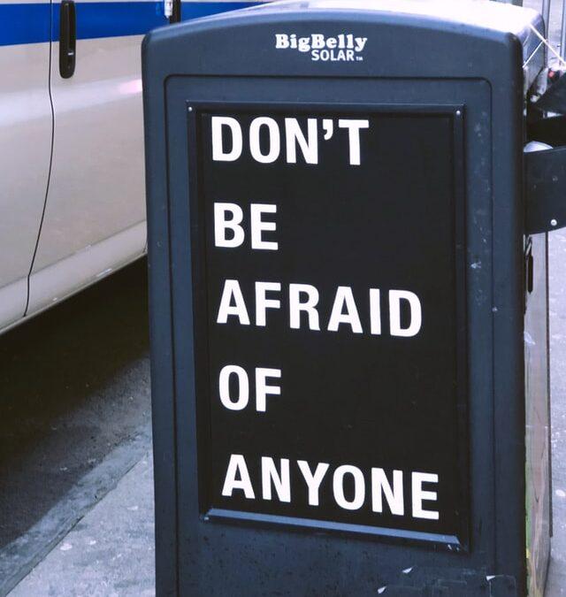 4 grunde til, at du er bange for at bede om hjælp til din virksomhed
